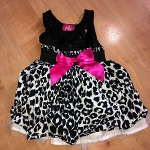 Baby girls outfit size 12 months